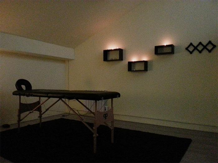 La stanza per i massaggi è un ambiente ampio e riservato, dove potrai godere tutti i benefici del massaggio in totale relax